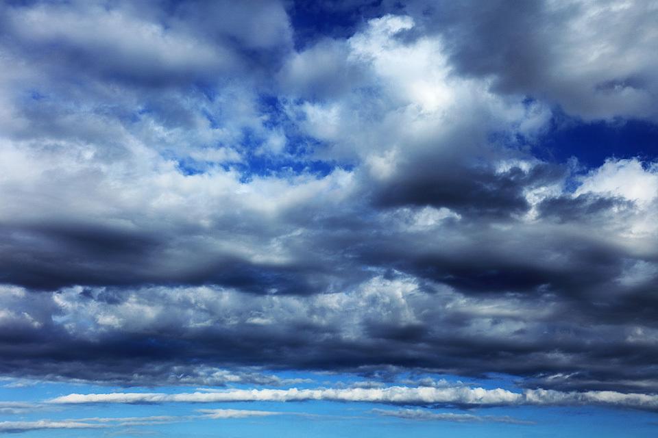 横から見る層積雲は絵になる