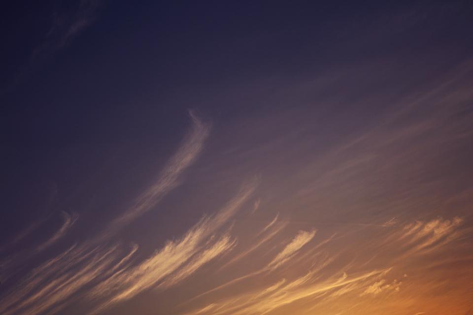 夕映えの巻雲過ぐ #1