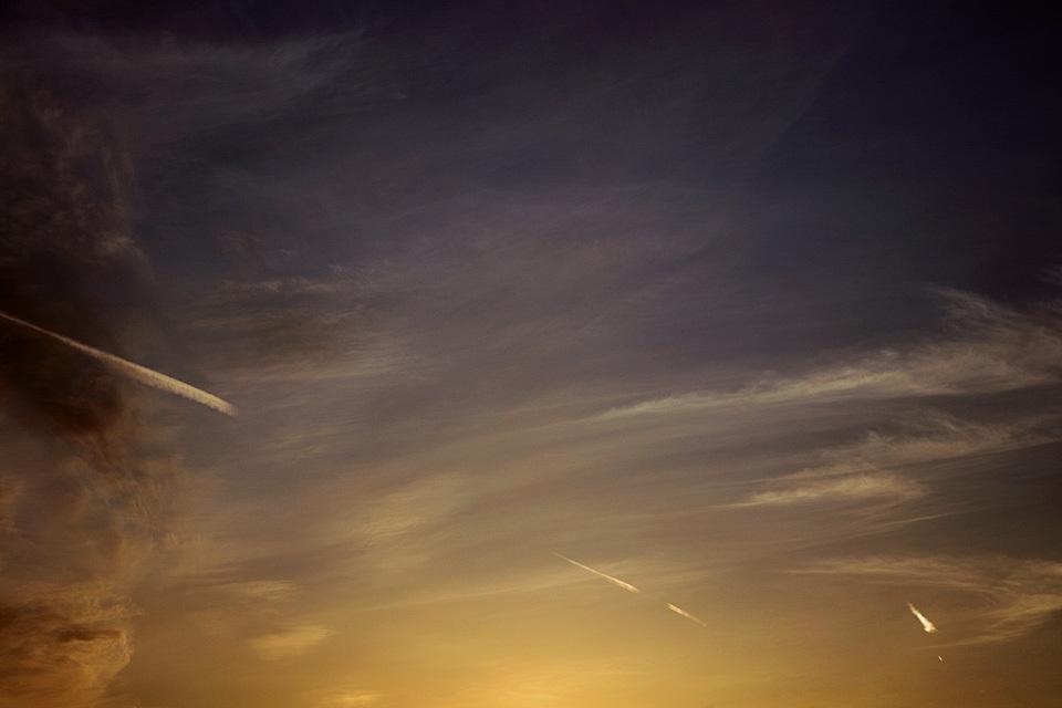 ある飛翔(その28) ── 黄昏発未来着