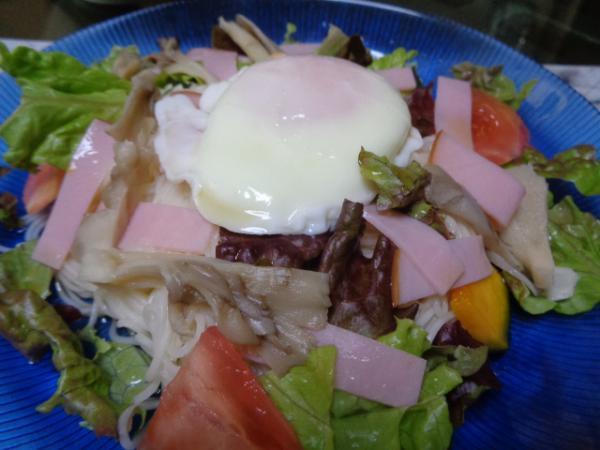 4/25 家食・温玉サラダソーメン