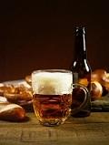 飲み物-グラスに入ったビール