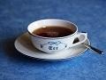 飲み物-白いカップの紅茶