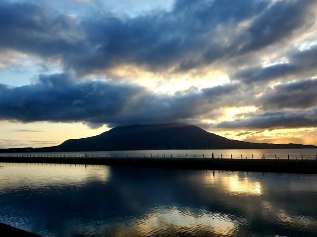 鹿児島の朝 桜島3月