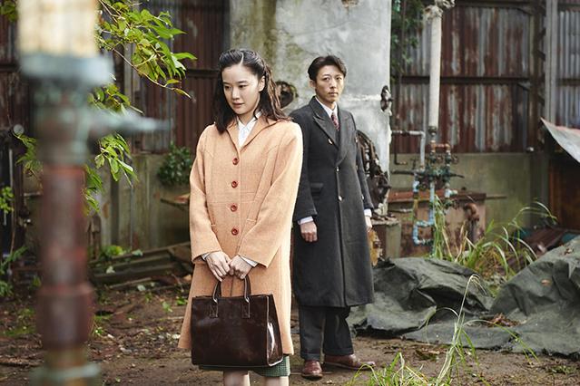 映画スパイの妻-01
