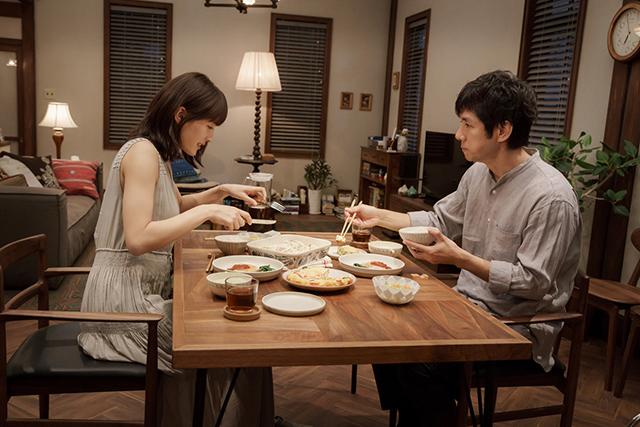 映画「奥様は、取り扱い注意」-02