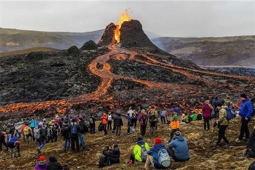 アイスランド火山ExGWq5sWYAkmUlu