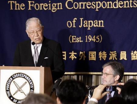 李登輝氏 靖国参拝問題で中韓両国を非難 「訪日は成功」