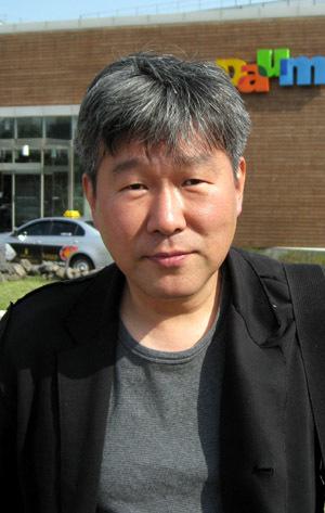 """朝鮮高校時代に""""日本人狩り""""をしていた『朝鮮高校の青春 ボクたちが暴力的だったわけ』の著者・金漢一は、モロ朝鮮顔の朝日の記者だ!"""