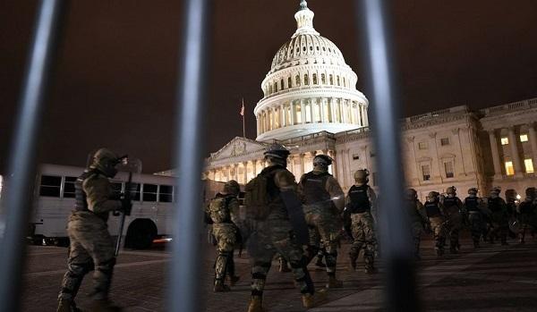 20210108警察が門を開けて暴徒を入れた!アンティファがトランプ支持者に偽装して議会に侵入!仕組まれた罠
