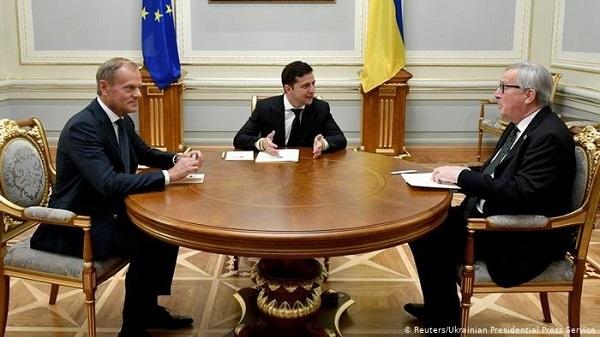 こりゃあもしかしたらプーチンからかもですな🇷🇺w ゼレンスキー🇺🇦はプーチンとの和平交渉を提案し、ロシアとの進行中の紛争を解決する事が彼の最優先事項であると述べた🇺🇦現大統領ゼレンスキーにモスクワは応えてい
