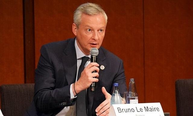 フランスのボーヌ欧州問題担当相は11日、ブルームバーグテレビジョンに対し、民間企業がこのような重要な決定を下すことに「衝撃を受けた」と発言。「これは最高経営責任者(CEO)ではなく市民が決めるべきだ。大