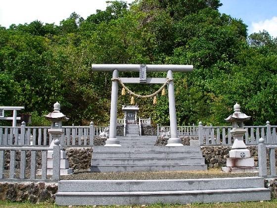 「ペリリュー神社」の御祭神は「天照大神」と「戦死者一万余名の護国の英霊」だ。