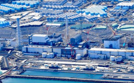福島第一原発の汚染水タンク