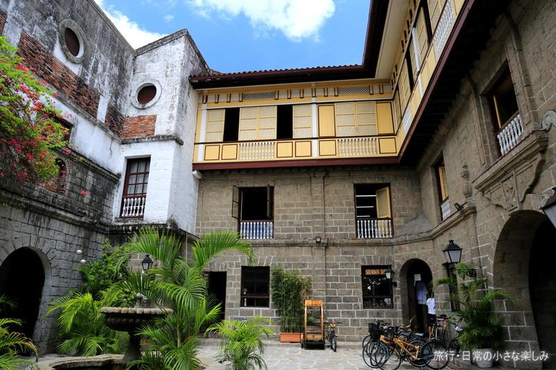 カーサ マニラ博物館 中庭