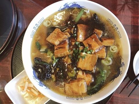 豚角煮刀削麺