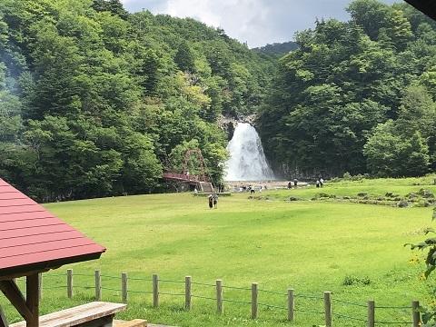 16法体の滝2