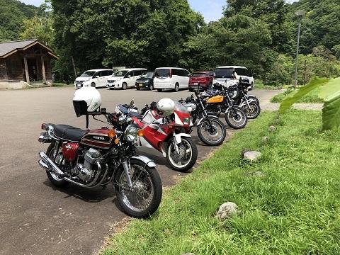 17法体の滝駐車場