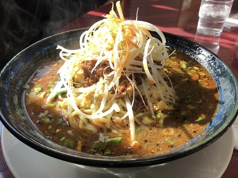 8黒胡麻担々麺
