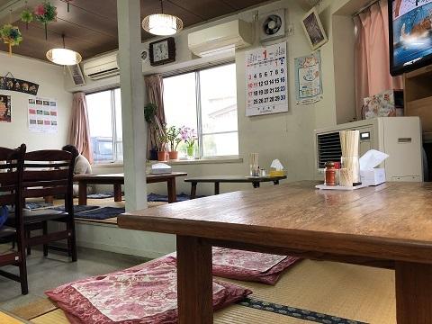 中川食堂店内