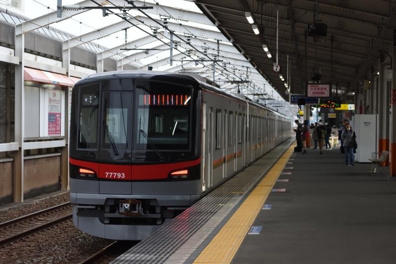 20201108獨協大学前駅_東武鉄道77793