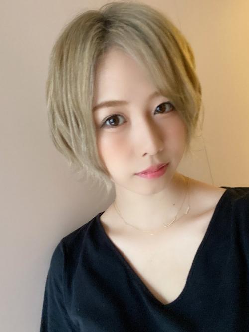 「こんなに美人になっちゃって」大家志津香、明るめ金髪ショートヘア公開!「神がかって可愛い」絶賛の声