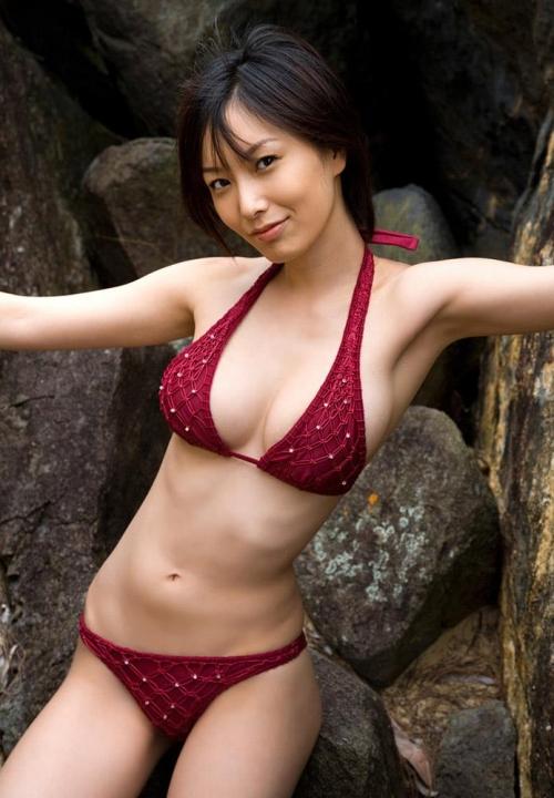 女優の長澤奈央 が第3子男児を出産