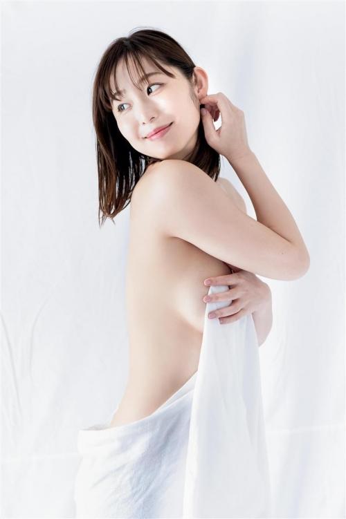 "B89W63H88のGカップ・塩地美澄アナ(38)、""不倫""DVDを20日発売「自分史上最もチャレンジした作品」"
