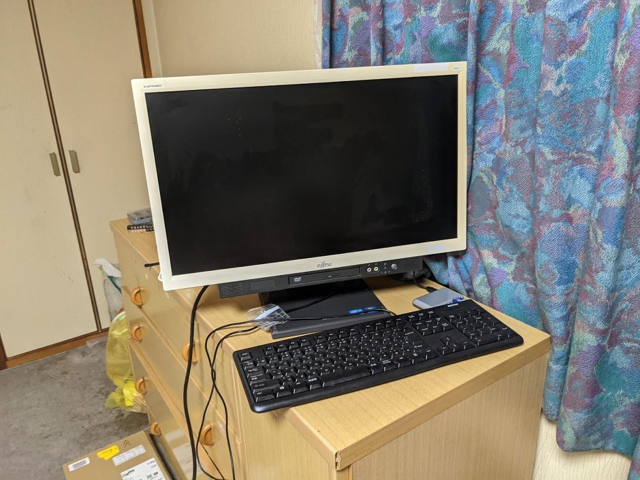 かっちんのサブパソコンです....