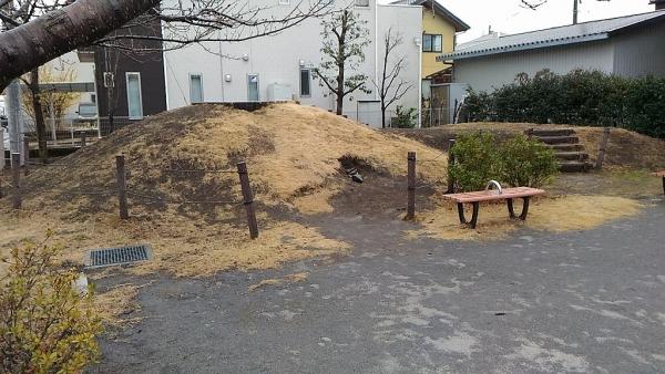 にいぼり公園古墳2
