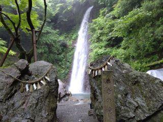 0719滝1hen