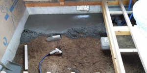 1 ユニットバス土間下コンクリート打設(菱池S様邸大型リフォーム工事(土間打ち・間仕切壁下地・電気配線))