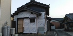 7 玄関引戸枠取付(幸田町菱池S様邸大型リフォーム工事(サッシ取付))