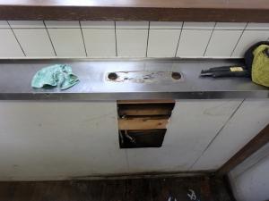 4 既設水栓金具取外し(菱池 S様邸キッチン水栓金具取替)