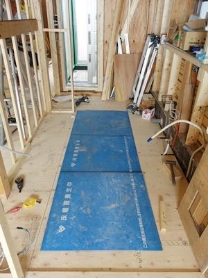 koyokan5床暖房パネル敷き2008