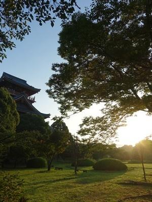 桃山城の朝日2008