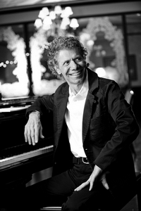 chickcorea_profile2021.jpg