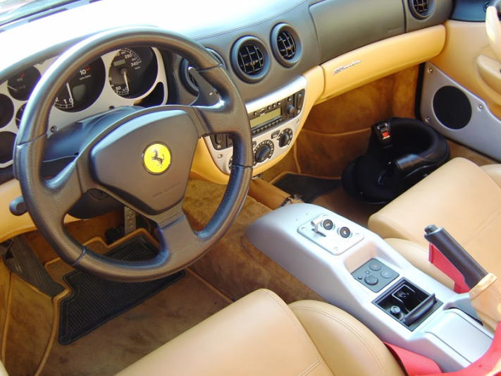 Ferrari_360_interior_20210224173207b2f.jpg