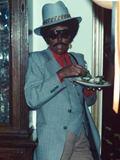 黒人男性に装したジョニ・ミッチェル (2)