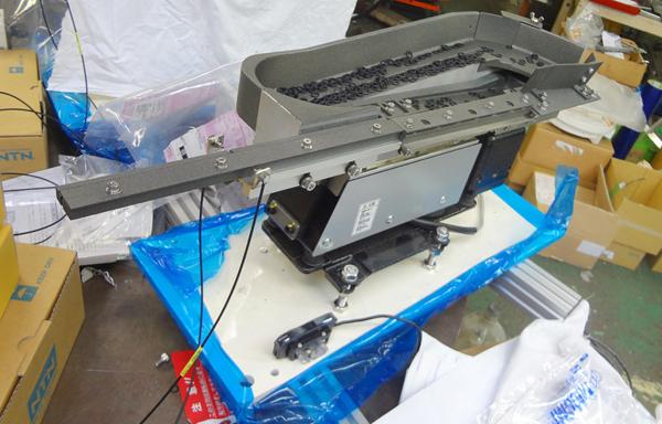 信和技研HPに「小型ゴム製Oリング用リターンフィーダー」を追加いたしました