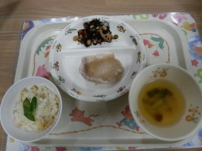 今日の給食1
