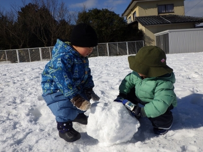雪遊び うさぎ5
