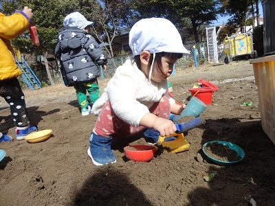 ひよこ組 砂遊び5