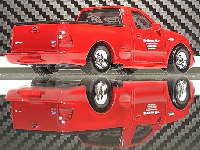 Ford F-150 SVT Lightning (2)