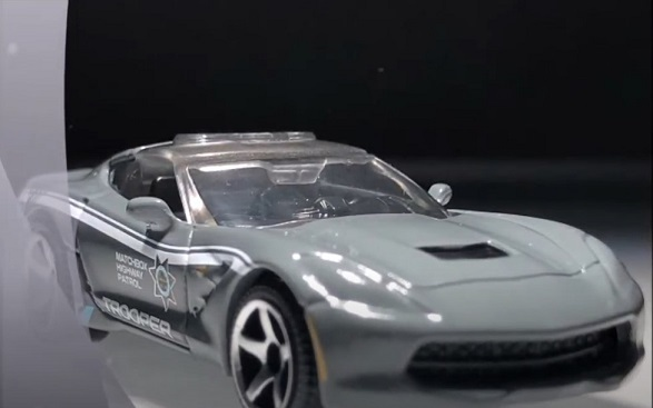 MATCHBOX 2015 CORVETTE STINGRAY (2)
