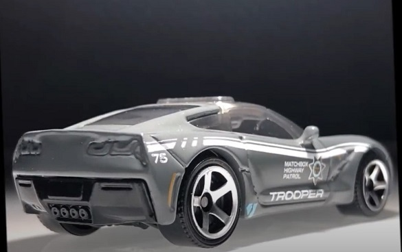 MATCHBOX 2015 CORVETTE STINGRAY (4)