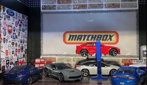 MATCHBOX 2015 CORVETTE STINGRAY (14)