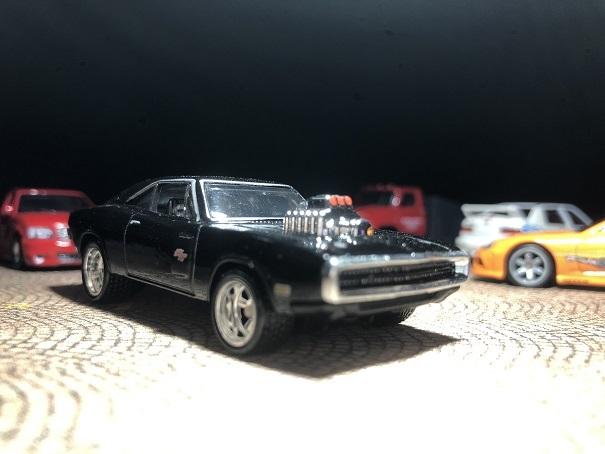 HotWheels 70 Dodge Charger RT (2)