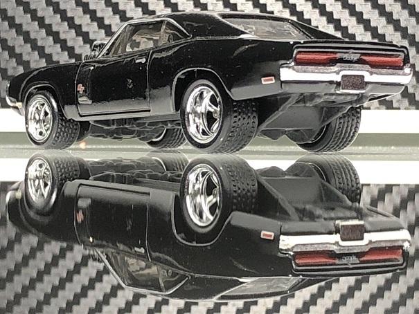 HotWheels 70 Dodge Charger RT (5)