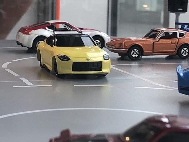 日産グローバルギャラリー  Z プロトタイプ ミニカー TOMICA (3)
