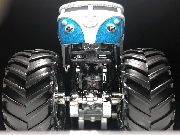 HW MONSTER TRUCKS VW Drag Bus (3)